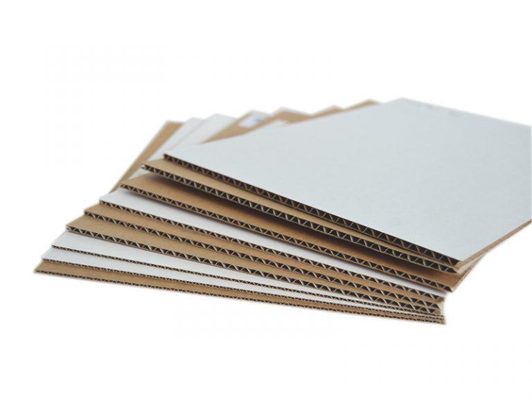 Plaques carton sur mesure