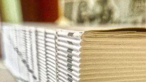 Journaux imprimés en attente d'être expédiés